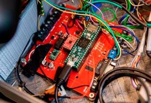 Схема и контроллер